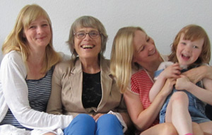 picture of Gerda Walz-Michaels and family